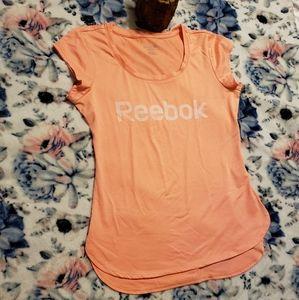 Reebok Women Shirts size Small